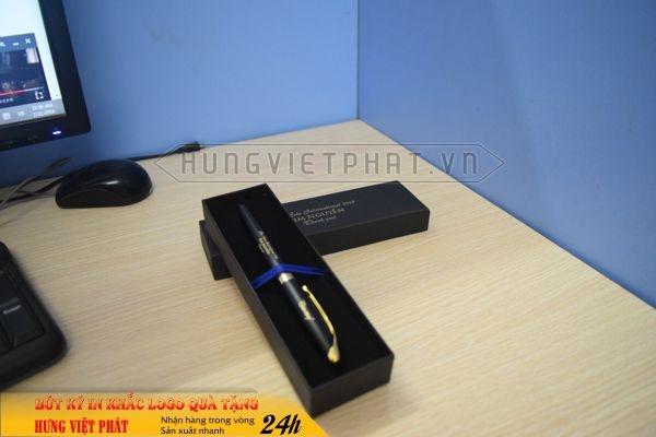 BKV-009-but-kim-loai-in-khac-logo-doanh-nghiep-lam-qua-tang3-1471249769.jpg